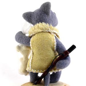 Dollyland. Волк (скульптурный войлок).