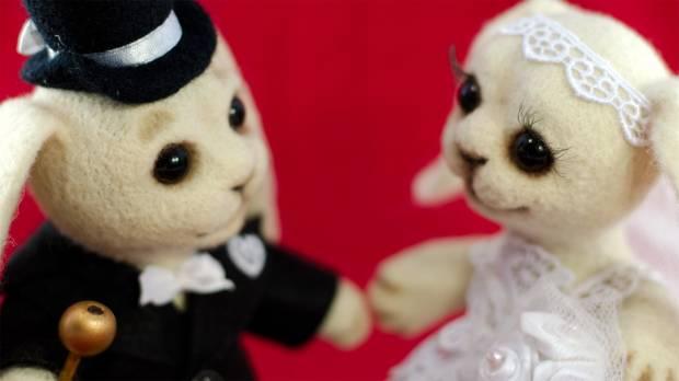 Dollyland. Свадебные зайцы (скульптурный войлок).