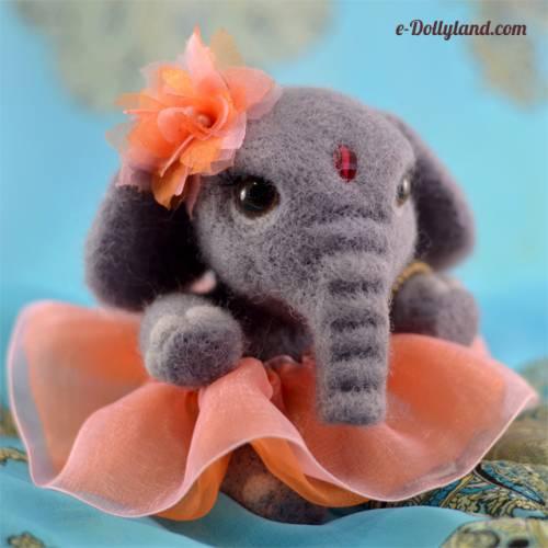 Dollyland. Слон (скульптурный войлок).